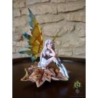 « Sylvania », fée de l'automne, une figurine des «Fées rêveuses»