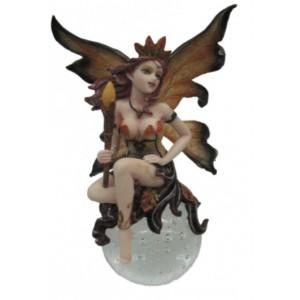 Figurine Reine des fées au sceptre, figurine d'une fée sur boule de verre