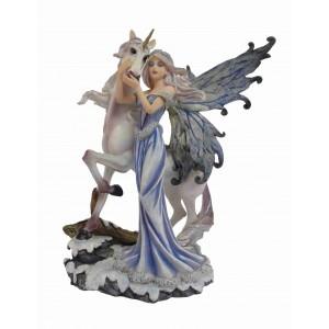 Figurine de fée et licorne, la fée de l'hiver.