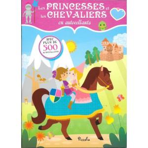 Les princesses et les chevaliers en autocollants, cahier d'autocollants aux éditions Piccolia
