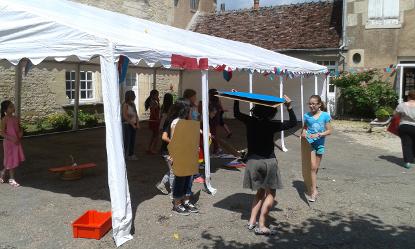 Décoration du marché médiéval du Festival Les Lithaniennes