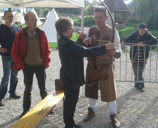 Démonstration d'archerie par Maître Anthony de St Vaast de la Commanderie Templière de Saint Florentin