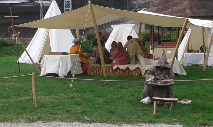 Préparation du repas chez les Croisés de Mediolano
