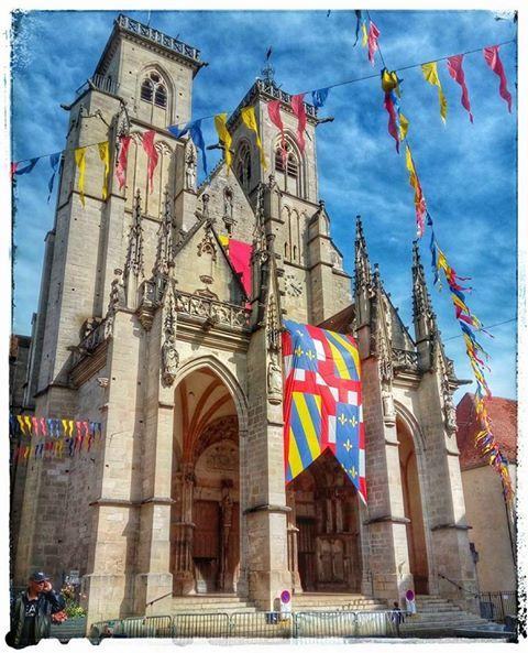 Crédit: Fête médiévale de Semur-en-Auxois